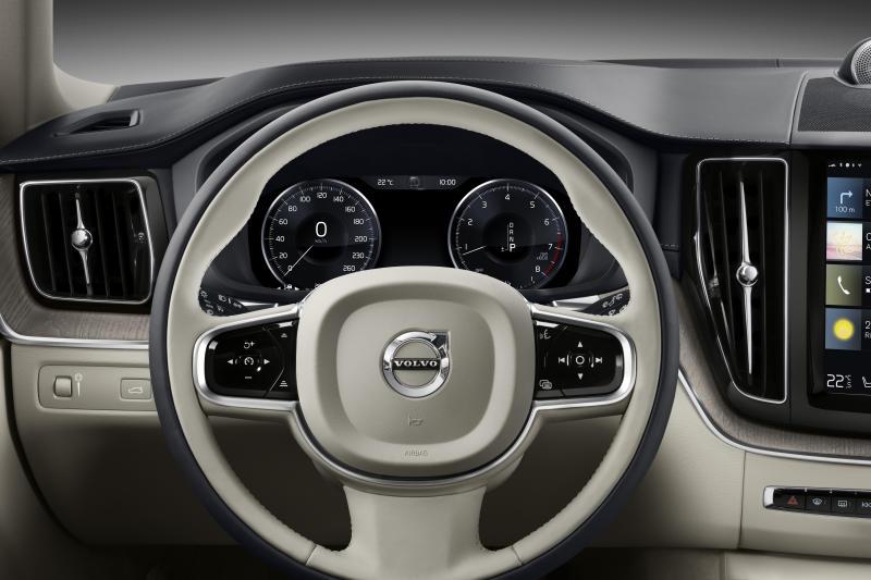 Volvo XC60 (2)