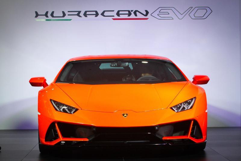 New Lamborghini Huracan Evo Debuts In Malaysia Carsifu