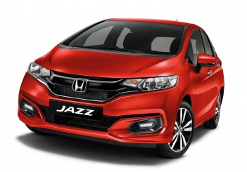 Honda Jazz (non hybrid) in Passion Red Pearl
