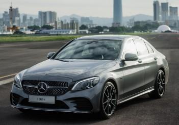Mercedes-Ben C 300 e - 01