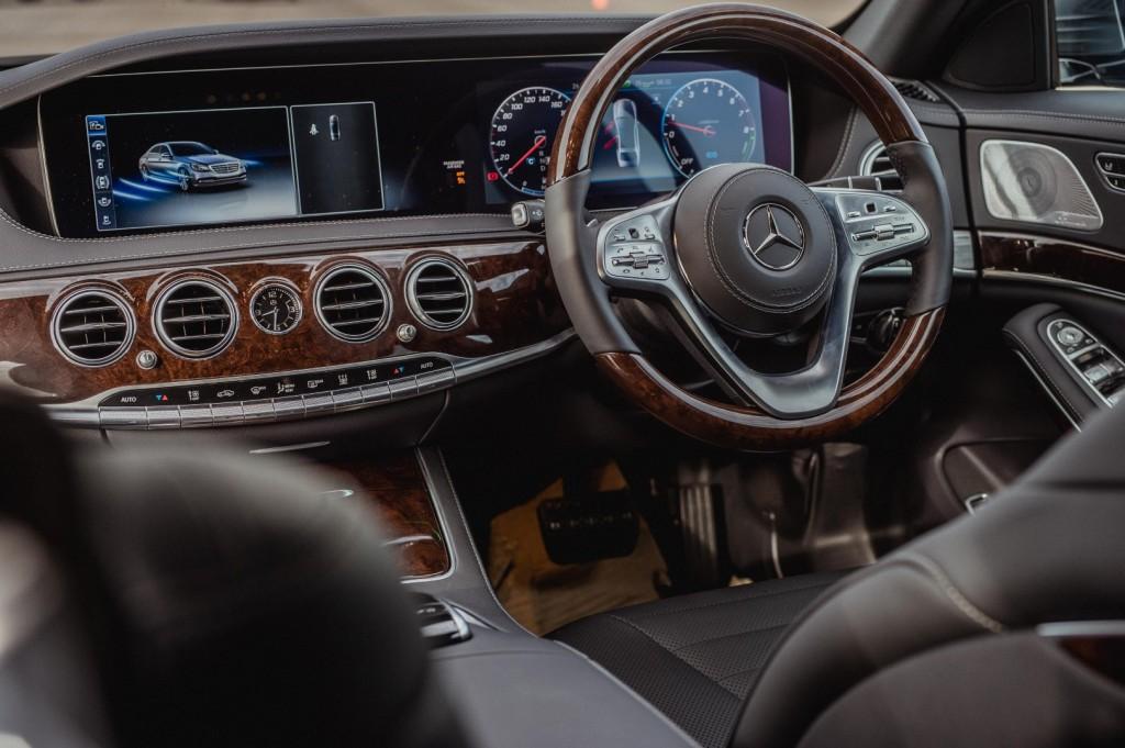 Mercedes-Benz S 560 e - 54