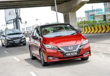 2019 Nissan Leaf  (2)