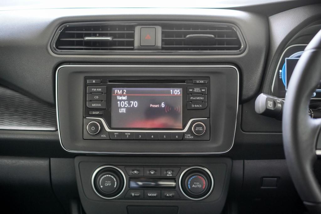 2019 Nissan Leaf (8)