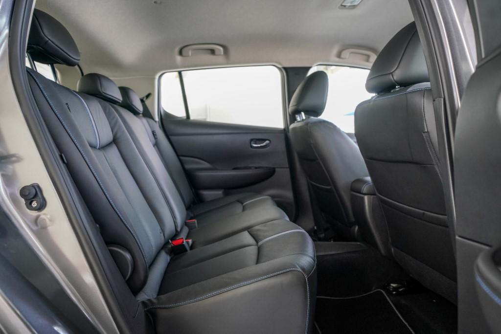 2019 Nissan Leaf (9)