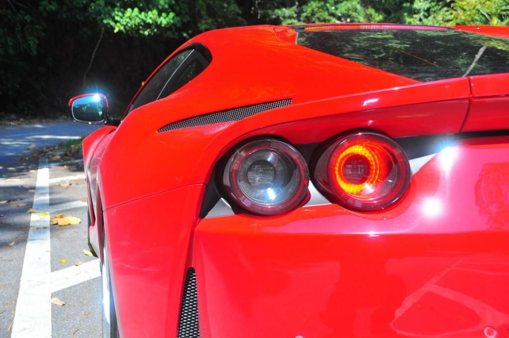 Ferrari 812superfast - 27