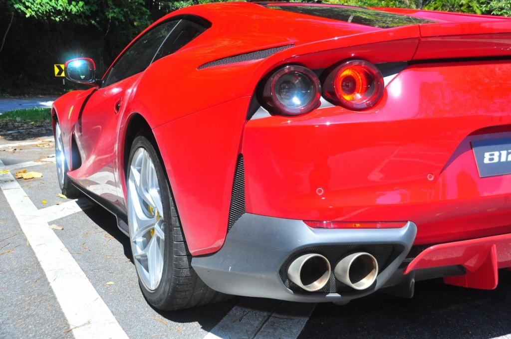 Ferrari 812superfast - 28