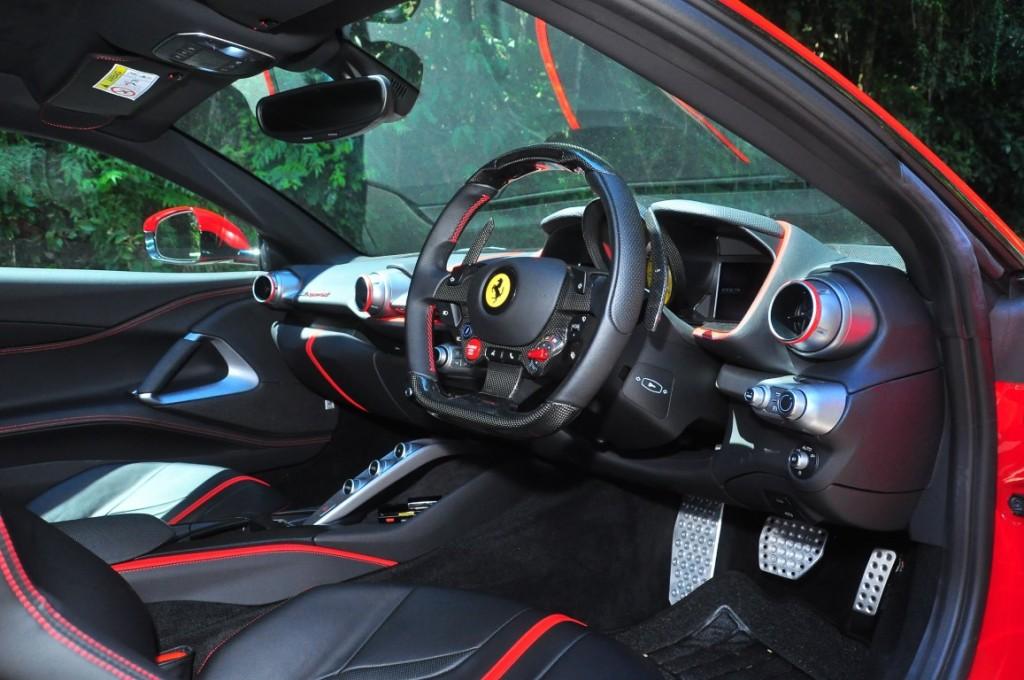 Ferrari 812superfast - 44