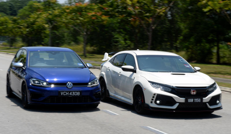 Honda Civic Type R Takes On Vw Golf R Carsifu