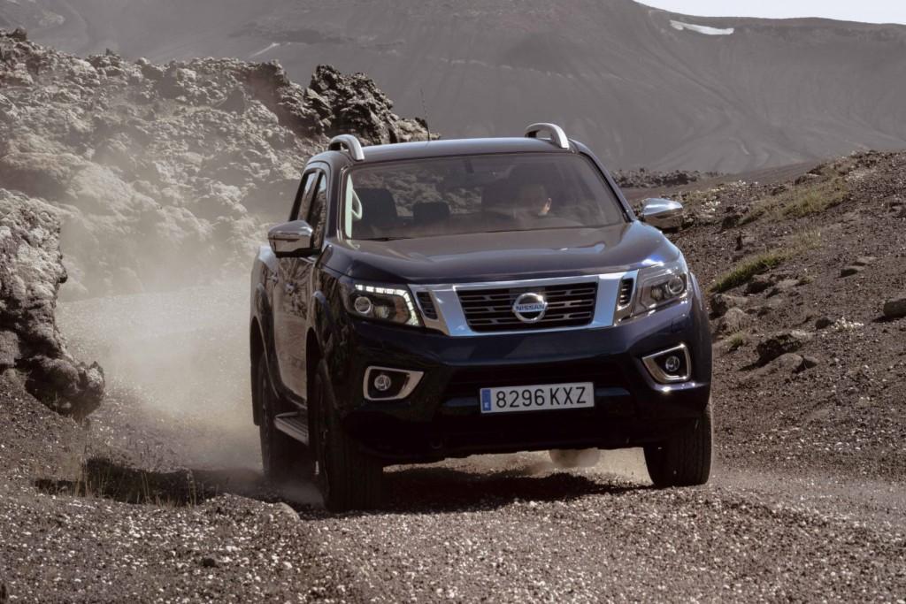 Nissan Navara Double Cab_Blue_Iceland_Dynamic Offroad 4