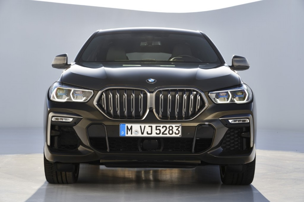 P90356713_highRes_the-new-bmw-x6-still