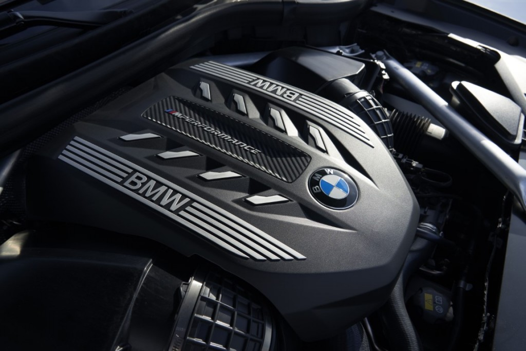 P90356722_highRes_the-new-bmw-x6-inter