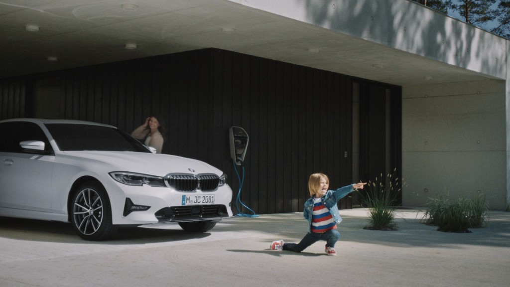 Watch The Bmw X Family S Latest Choose Your X And Unplug And Play