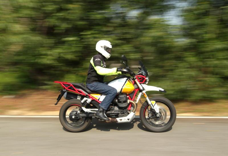 Moto Guzzi V85 TT - 04