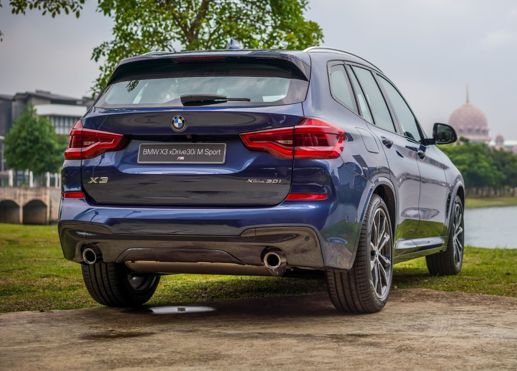 2019 BMW X3 xDrive30i with M Sport Package (1)