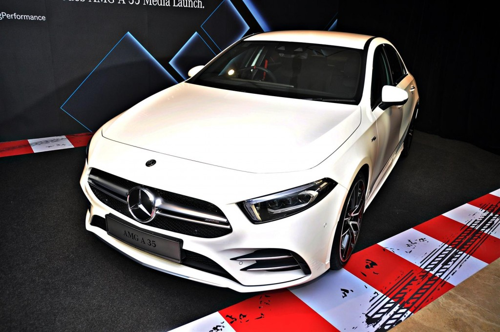 Mercedes-AMG A 35 4MATIC Sedan - 01