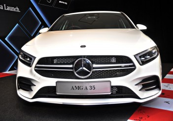 Mercedes-AMG A 35 4MATIC Sedan - 03
