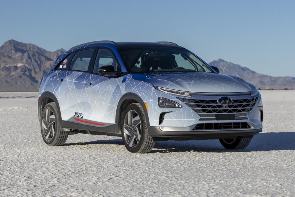 Hyundai Nexo Fuel Cell SUV - 02