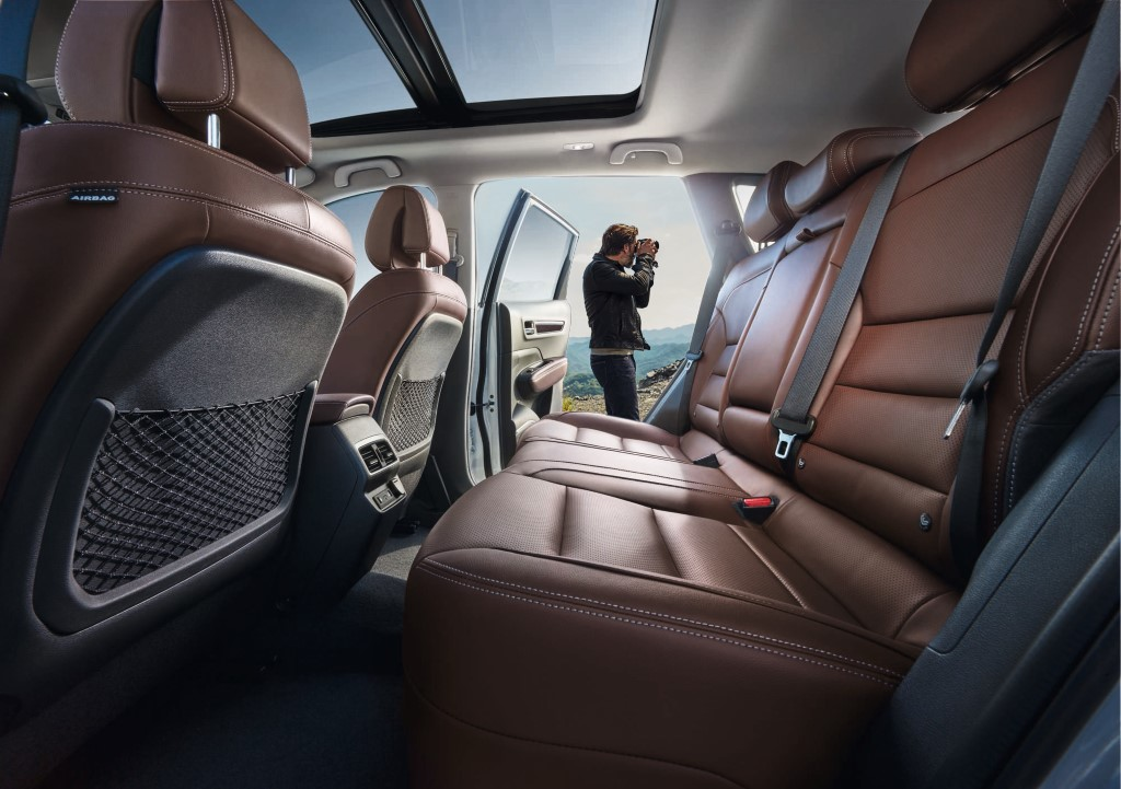 New Renault Koleos_record cabin space with generous dimensions (Custom)