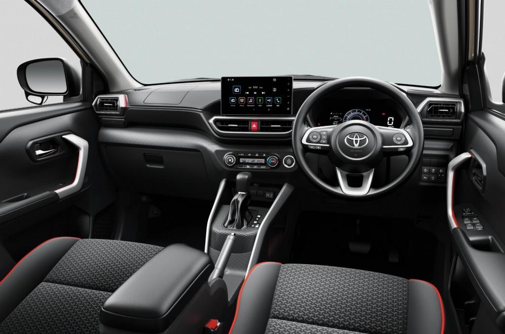 Toyota Raize - 40
