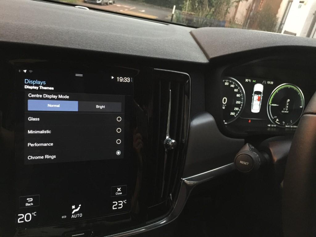 VolvoS90T5_2019 (30)