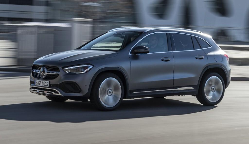 Mercedes-Benz GLA 220d mountaingrau magno; Leder - macchiatobeige/schwarz;Kraftstoffverbrauch kombiniert: 4,9-4,7 l/100 km; CO2-Emissionen kombiniert: 129–123 g/km Mercedes-Benz GLA 220d mountain grey magno; Leather - macchiato beige/black;Fuel consumption combined: 4.9-4.7 l/100 km; combined CO2 emissions: 129-123 g/km