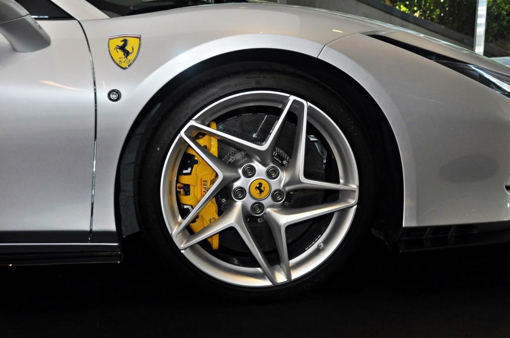 Ferrari F8 Spider - 08