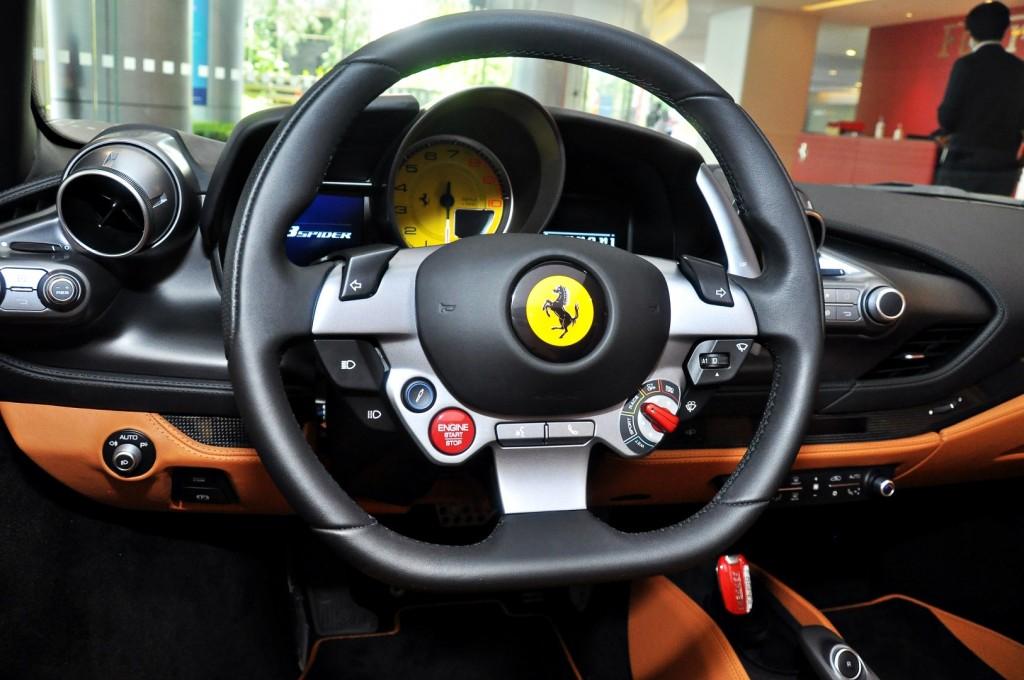 Ferrari F8 Spider - 54