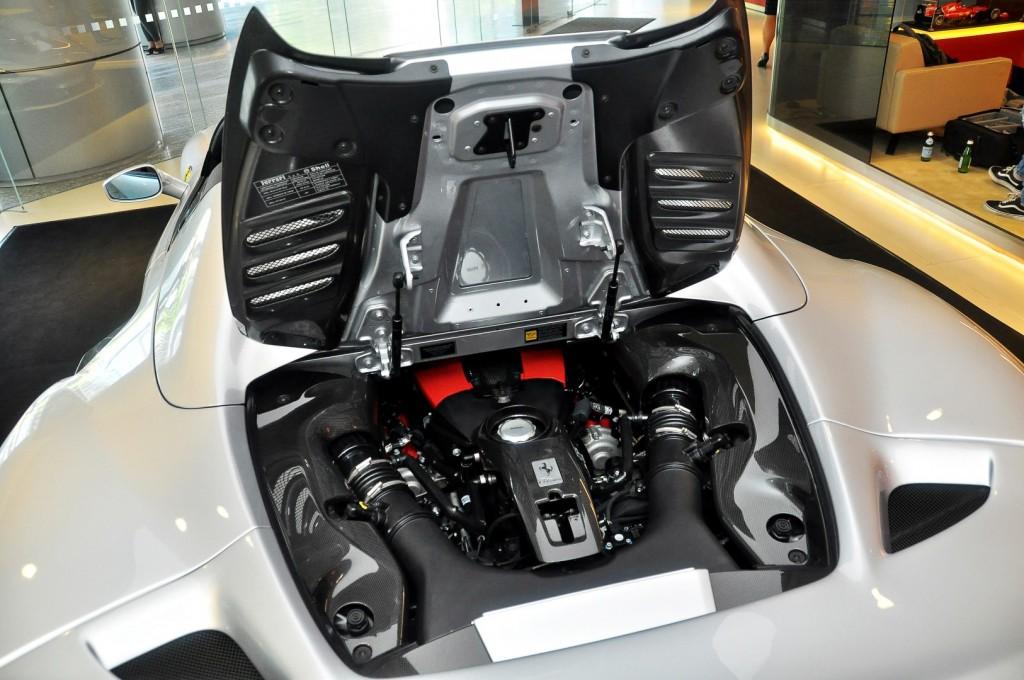 Ferrari F8 Spider - 63