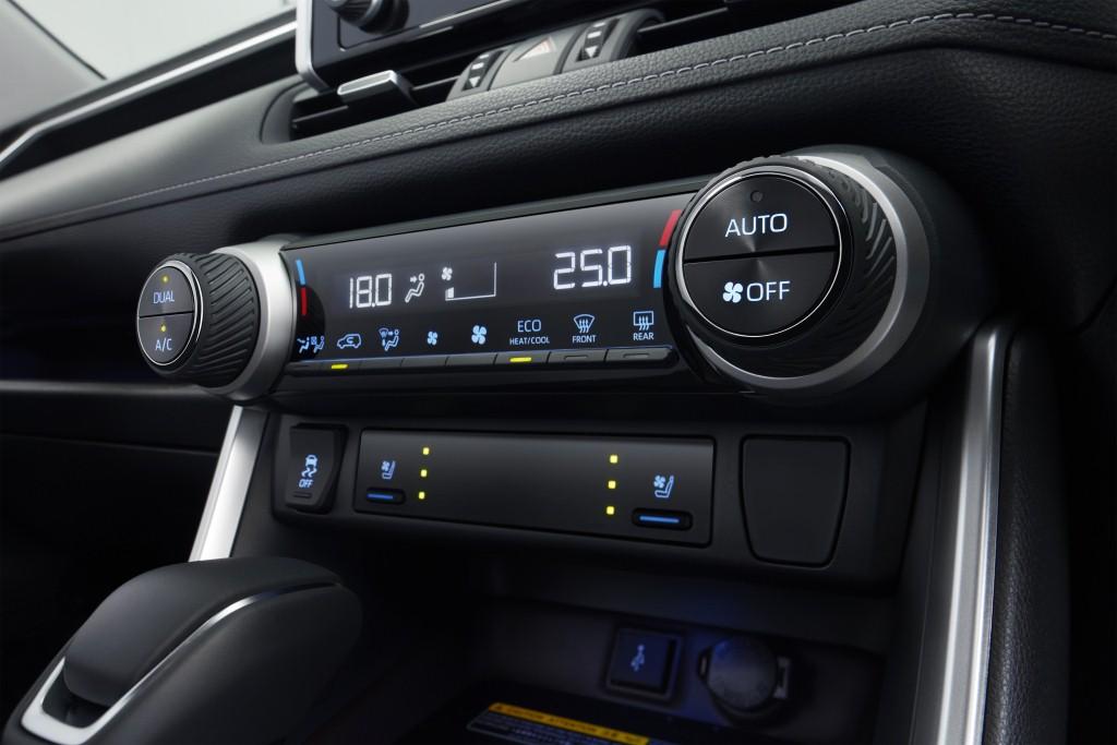2021 Toyota RAV4 (10)