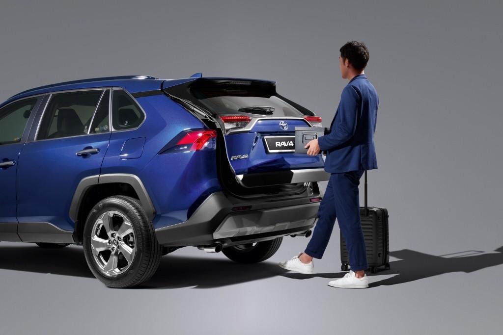 2021 Toyota RAV4 (12)