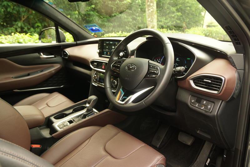 Hyundai Santa Fe R 2-2 CRDi Premium (13)