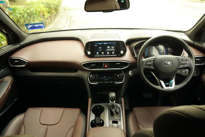 Hyundai Santa Fe R 2-2 CRDi Premium (3)