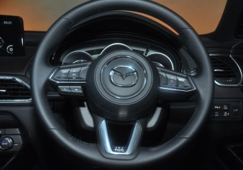 Mazda CX-9 steering wheel