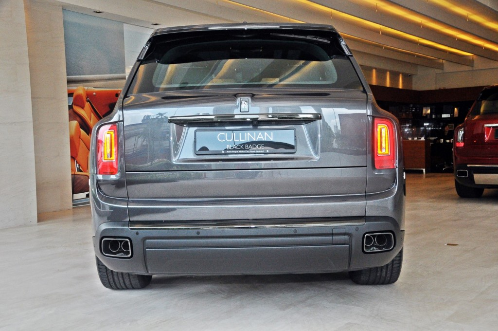 Rolls Royce Cullinan Black Badge - 29