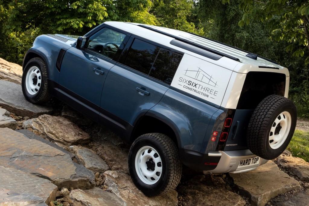 Land Rover Defender Hard Top - 08