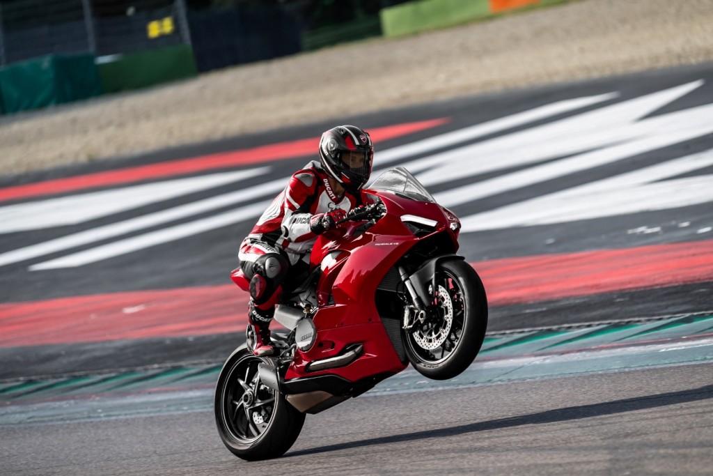 Ducati Panigale V2 - 02
