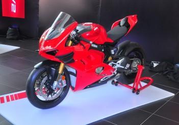 Ducati Panigale V4 S - 09