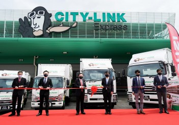 Isuzu Malaysia handover ceremony for City-link