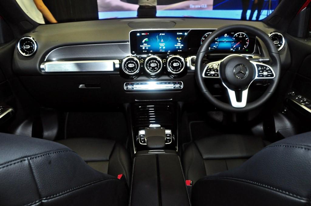 Mercedes-Benz GLB 200 - 48