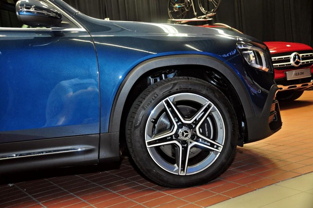 Mercedes-Benz GLB 250 - 12