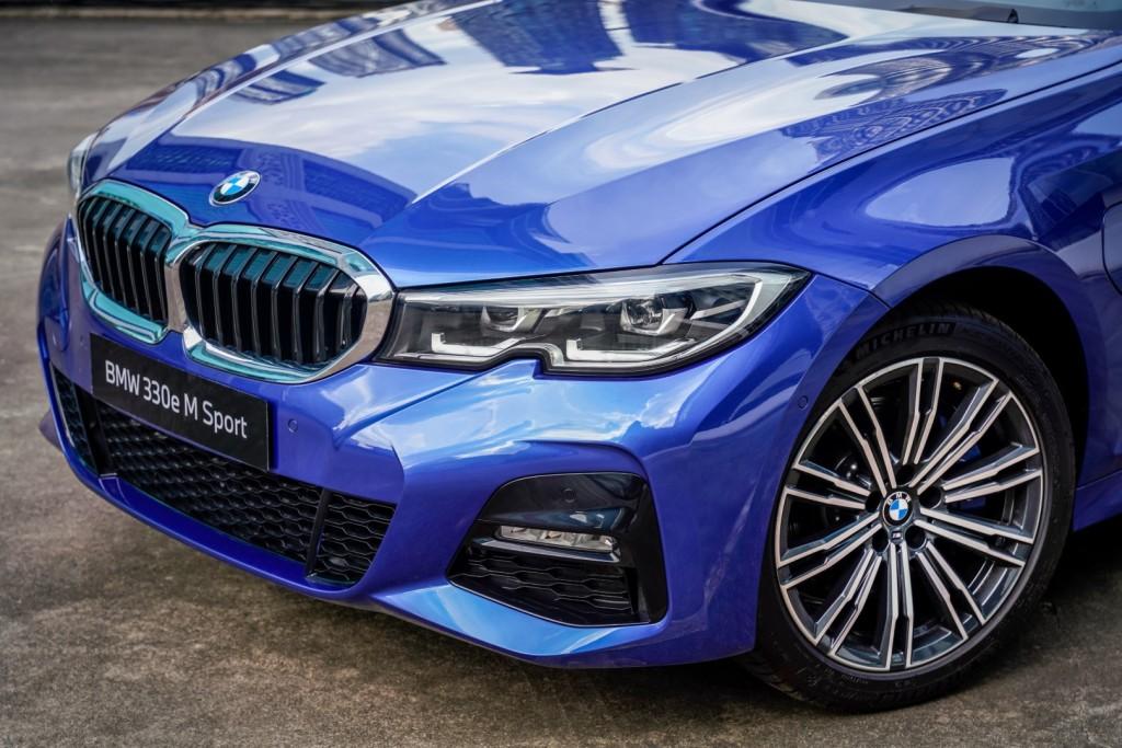 BMW 330e M Sport - 13