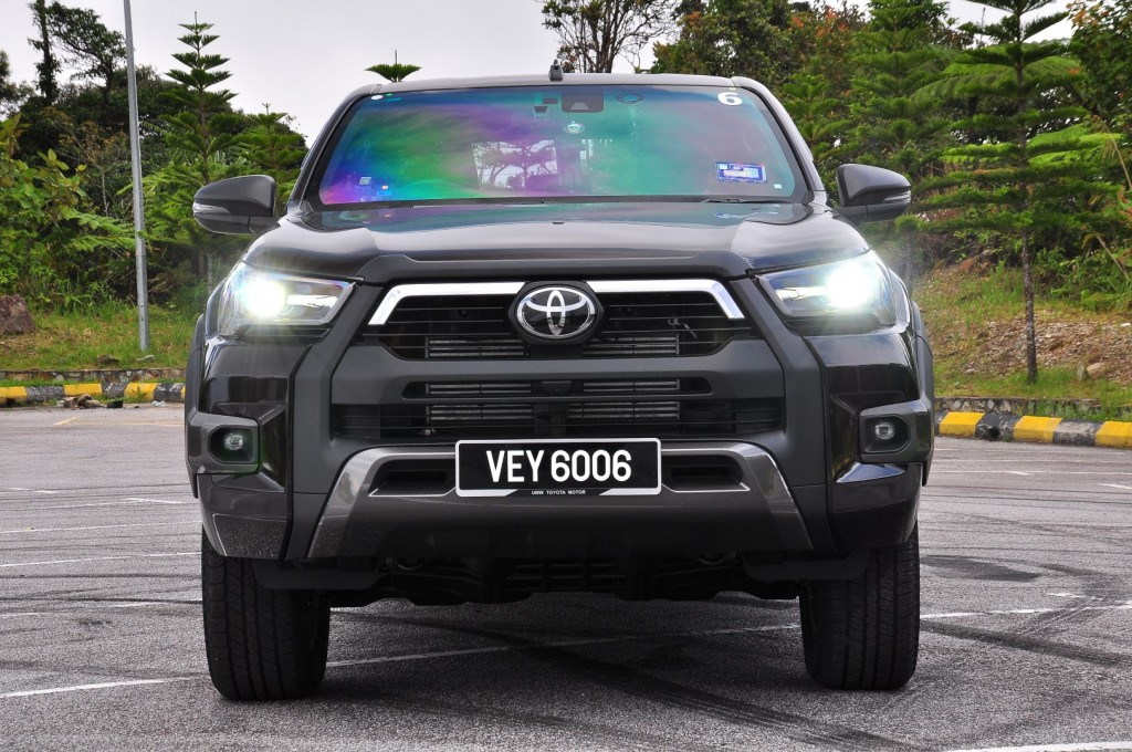 Toyota Hilux 2.8 Rogue - 23