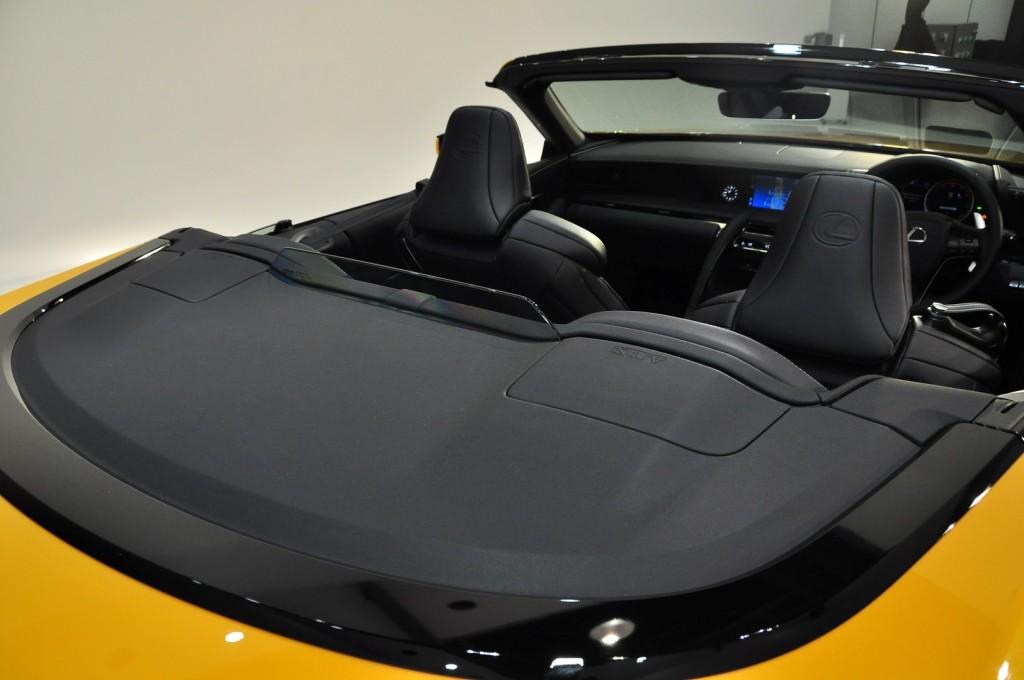 Lexus LC500 Convertible - 40