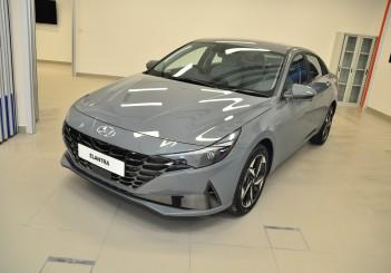 Hyundai Elantra 1.6 (Mk7) - 01