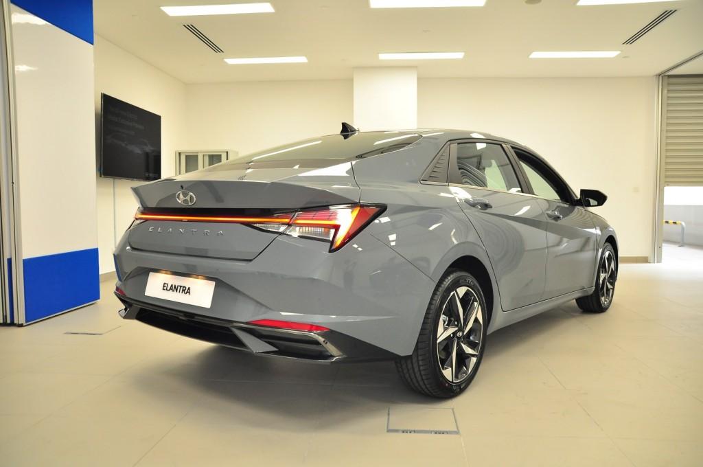 Hyundai Elantra 1.6 (Mk7) - 28