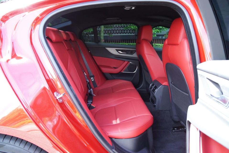 Refreshed Jaguar XE_2020 (5)
