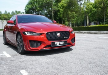 Refreshed Jaguar XE_2020 (9)