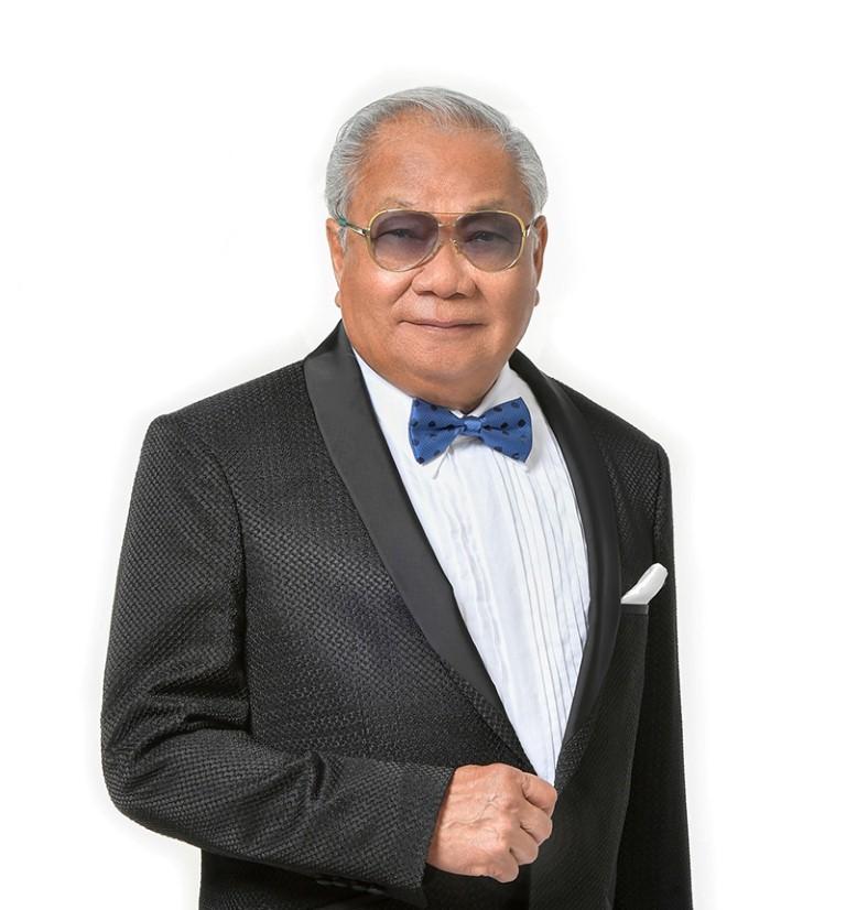 The motor show's chairman Dr Prachin Eamlumnow