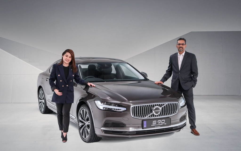 Akhtar (right) with Volvo Car Malaysia product manager Sharon Wong,.