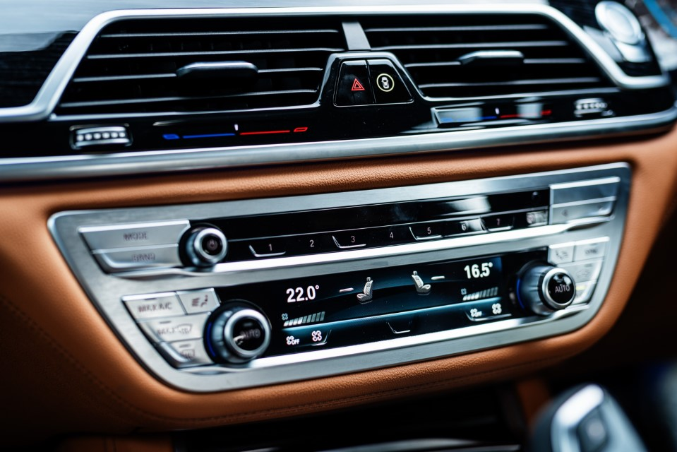 The New BMW 740Le xDrive M Sport (11)